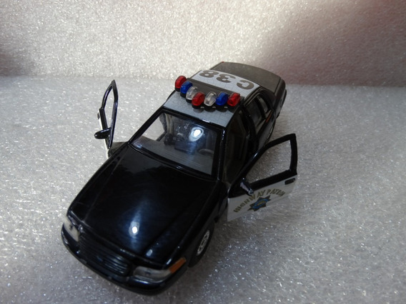 99 Ford Crown Victoria Policia Welly Esc. Aprox 1:43 Loose
