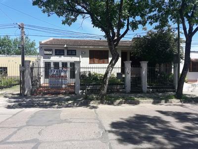 Casa 3 Ambientes, 2 Baños, Con Garage Y Barbacoa