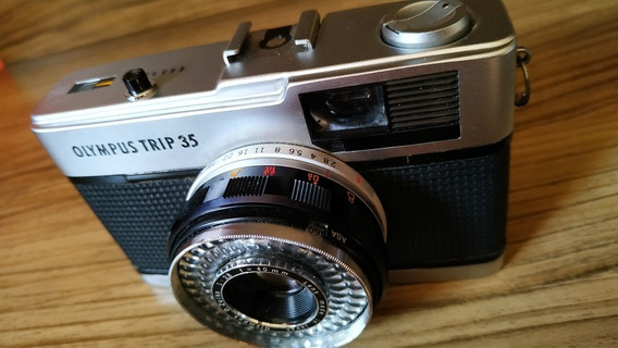 Câmera Fotográfica Olympus Trip 35 + Flash Pe-145 National.