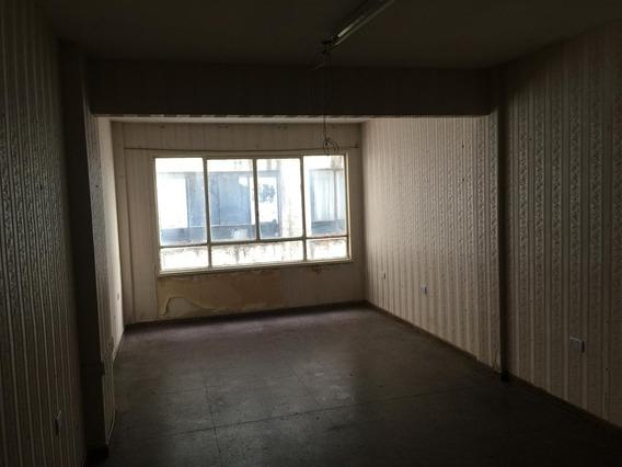 Oficina En Venta En El Barrio De Once Excelente Oportunidad De Inversión