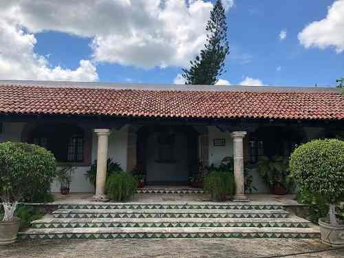 Hermosa Residencia Tipo Hacienda En Mérida En Privada Club De Golf