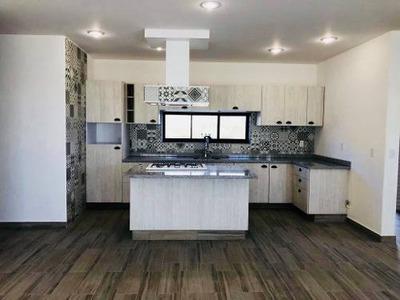 Casa Nueva Con Diseño Único En Corregidora