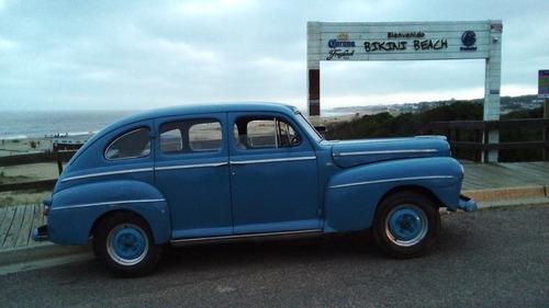 Ford  Coustom