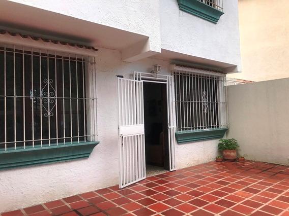 Casa El Trigal Norte Adriana Carrera 0414 5858769