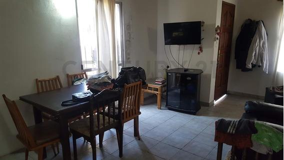 141 50 Y 52. Casa De 3 Dormitorios En Venta, San Carlos Lote De 315m2
