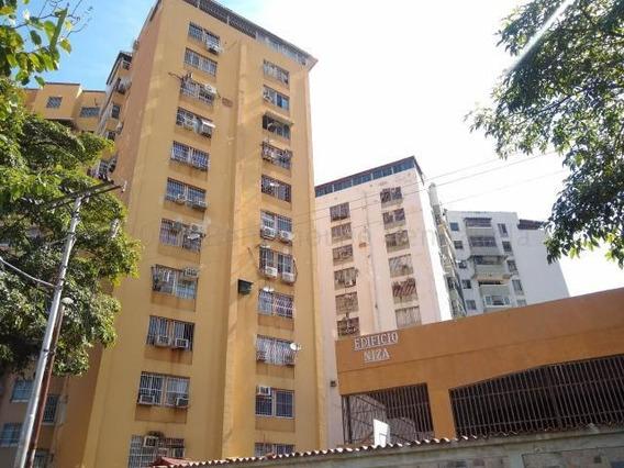 Apartamento En Venta Piso Bajo Avenida Bermudez 20-24798 Hjl