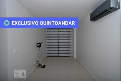 Apartamento No 2º Andar Com 2 Dormitórios E 1 Garagem - Id: 892933104 - 233104