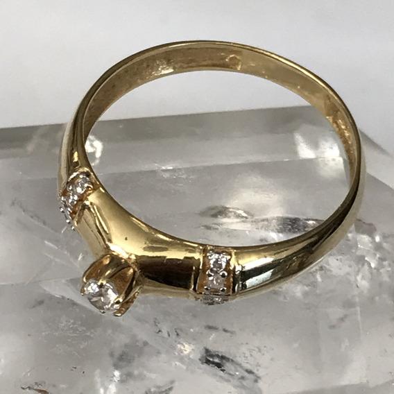 Anel Em Ouro 18k-750 Peso: 2.3 Gramas Aro 16, Com Pedras