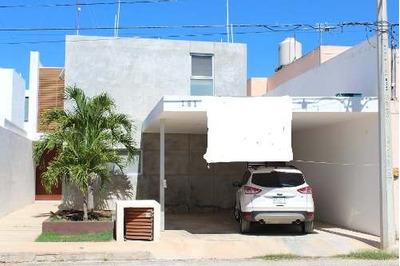 Casa Residencia De Dos Plantas, 3 Recamaras Y Picina En Montes De Ame.