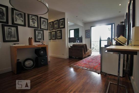 Apartamento No 9º Andar Mobiliado Com 1 Dormitório E 2 Garagens - Id: 892992601 - 292601
