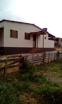 Casa No Sul De Minas , Cidade De Conceição Do Rio Verde, Terreno Com 1500 Metros , Lugar De Muito Verde E Tranquilidade. - 4404