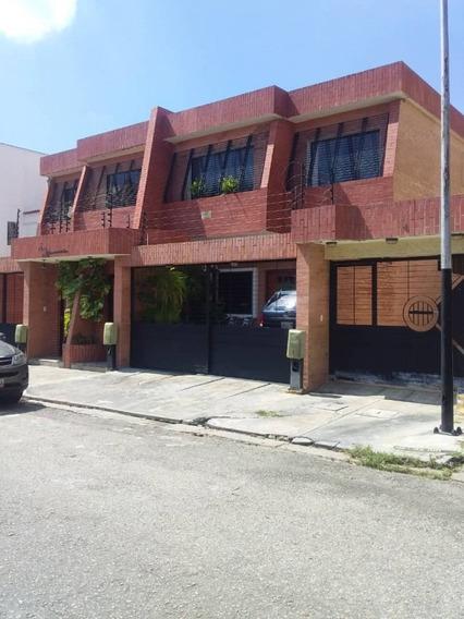 En Venta Hermoso Town House En Prebo 144 Mts2