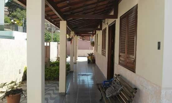 Linda Casa Em Caxambu Mg - Casa Com 270 M2 De Construção - Bairro Nobre -03 Quartos - 08 Vagas De Garagem. - 131
