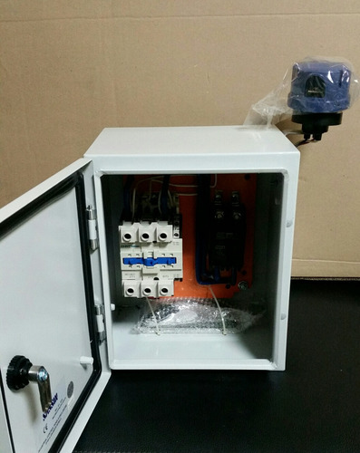 Caja De Control De Alumbrado Público 2x100 Amp Nueva