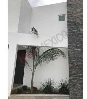 Casa En Venta Al Norte De Saltillo, Residencial Torrecillas.