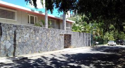 Apartamento En Venta Prados Del Este Caracas Edf 18-3725