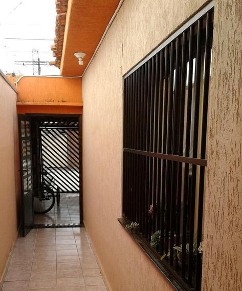 Casas - 2 Dormitórios - 647