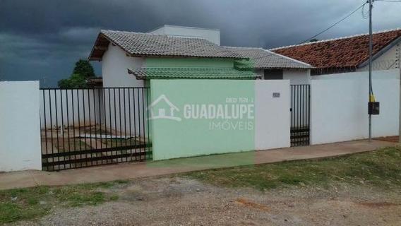 Casa Nova Muito Bem Localizada