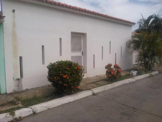 Casa En Venta En Fundacion Mendoza, Barcelona