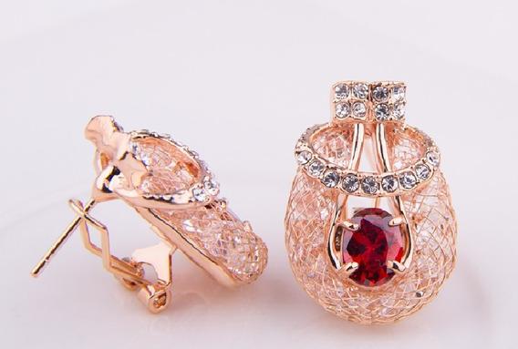 Brinco Semi Joia Luxo 18k De Cristal Vermelho