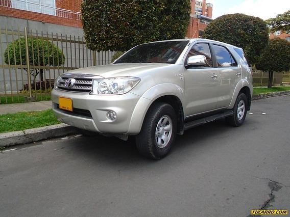 Toyota Fortuner 2.7