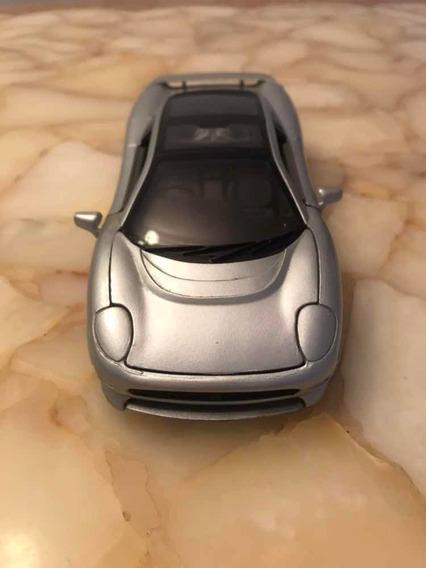 Miniatura Jaguar Xj220 // Maisto 1:24