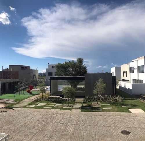 Casa Nueva En Coto Lago Norte Con Ingreso Al Lago