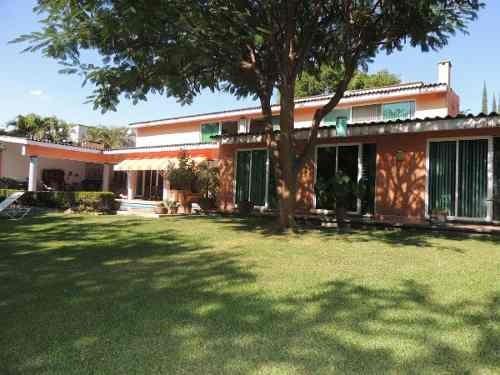 Venta De Casa Con Amplio Jardín En Tezoyuca, Morelosclave 1931