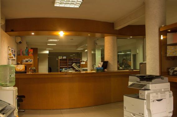 Local En Ciudad Vieja C/subsuelo Y Planta Alta Independiente