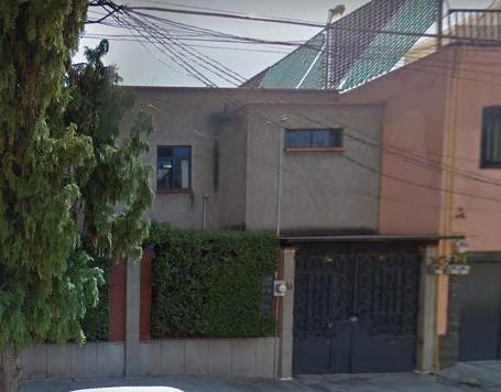 Hermosa Casa En Venta De 360 M2 En Colonia Claveria. Qb