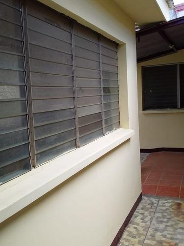 Vendo Casa En Monseñor Lezcano $65