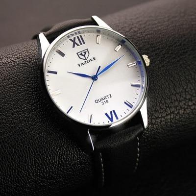 Relógio Masculino Quatorze De Couro Preto