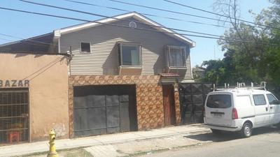 Amplia Casa Con Uso Habitacional Y Comercial