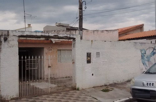 Casas - 2 Dormitórios             - 909