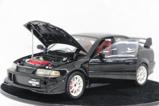 Miniatura Mitsubishi Lancer Evolution Makinen Auto Art 1/18