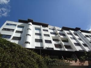 20-15969 Espectacular Apartamento En Miranda