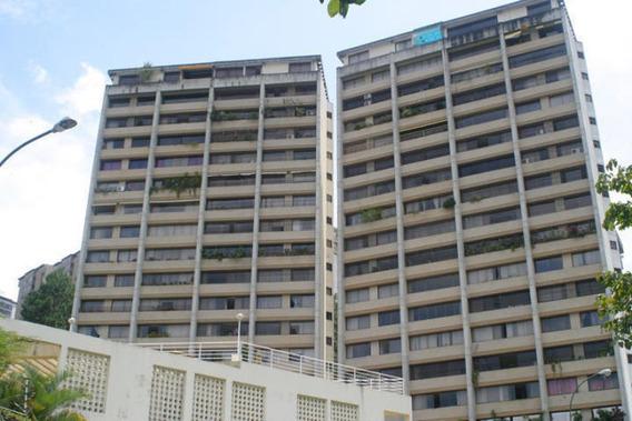 Apartamento En Venta 19-18028