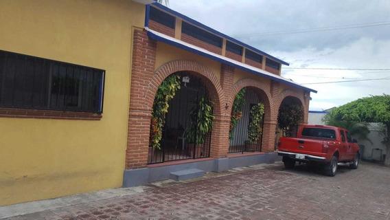 Casa De 1 Nivel Con 624 Metros De Terreno.