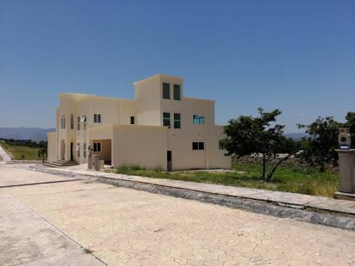Casa Sola En Venta Colinas Del Rey Residencial
