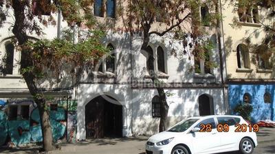 Casa En Arriendo De 9 Dormitorios En Santiago