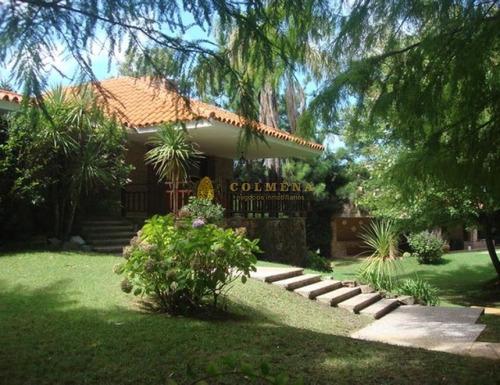 Casa En Solanas De 4 Dormitorios, Piscina Y Muy Cerca De La Playa. Consulte!!!!!!!!!- Ref: 2341