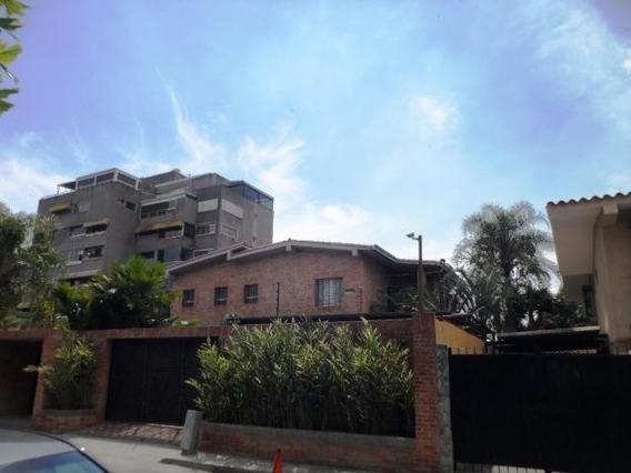 Casa En Venta Mls #19-6955 - Laura Colarusso