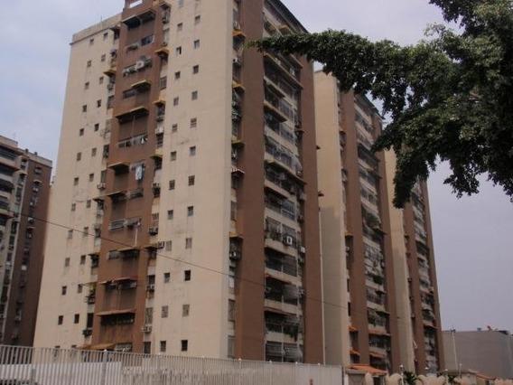 20-8201 Apartamento En Venta Urb Parque Aragua Maracay/ Wjo