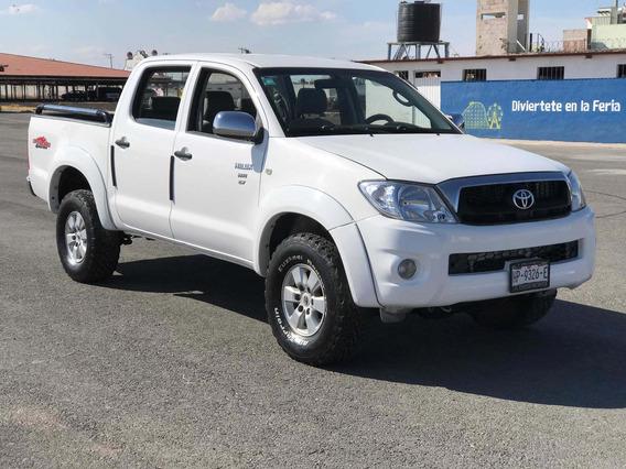 Toyota Hilux 2.7 Cabina Doble Sr Mt 2011