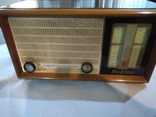 Antigua Radio Noblex Extra Band Modelo T4b En La Plata