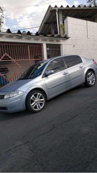 Renault Megane 1.6 Dynamique Hi-flex 4p 2007