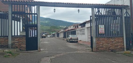 Casa De Oportunidad En La Urbanización Altos De Paramillo