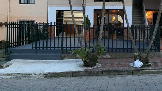 Casa Con Local Comercial En El Mejor Sitio De Caldas.