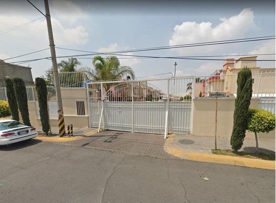 Av Casa En Fracc Las Américas, Ecatepec.