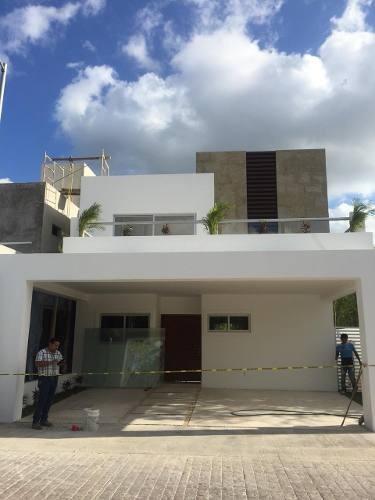 Casa En Venta En Residencial Exclusivo, 4 Recamaras!!!